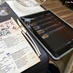 Tri Stoleti Cartes papier et Ipad