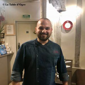 Evi Evane Chef Papazachopoulos et une petite pub pour Gilles Pudlowski derrière !