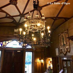 Belleek Castle Lustre lobby