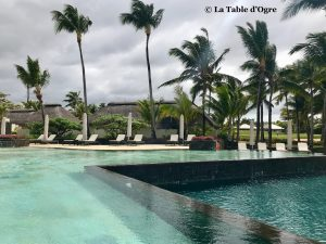Anahita Resort Piscine 3