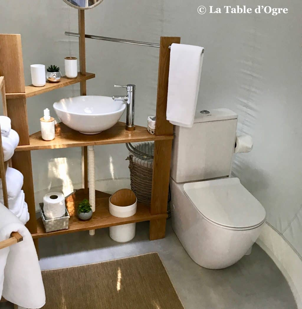 Bubble Lodge Hotel Salle de bain | La Table d\'Ogre