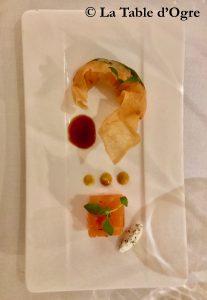 Le Collectionneur Croustillant de gambas, saumon confit