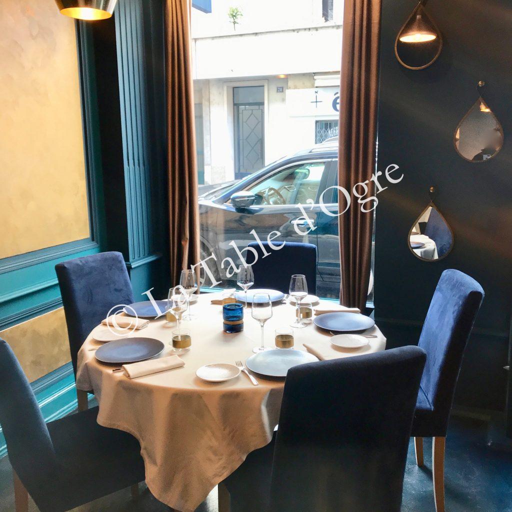 Les Bartavelles Table